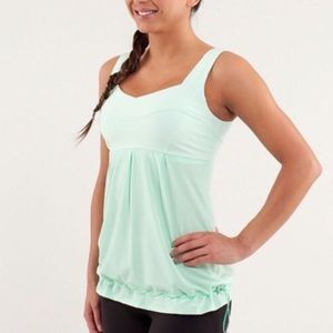 Lululemon Elevate Tank Mint Green Excellent Cond 8
